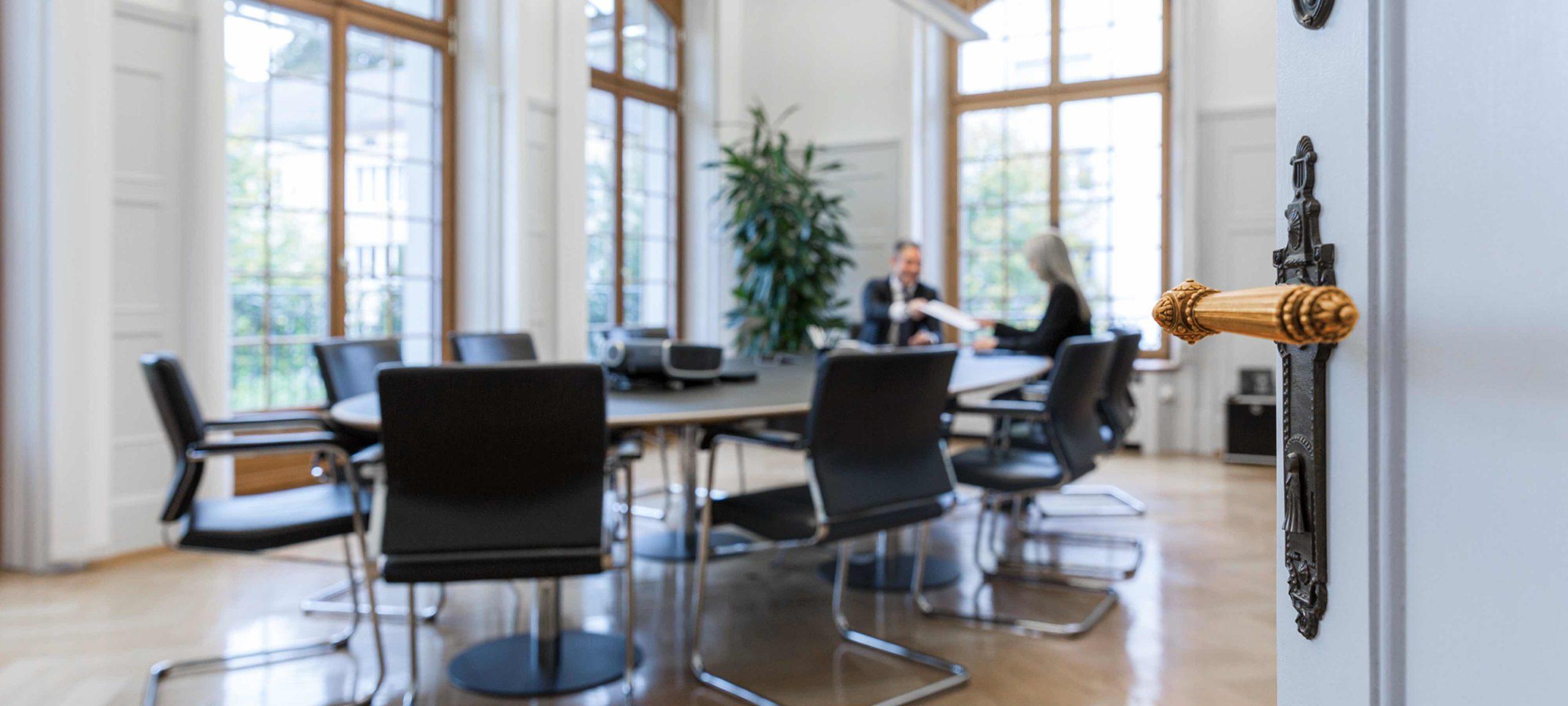 Blick in das Sitzungszimmer der Baumann & Cie